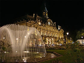 280px-Loire_Indre_Tours1_tango7174.jpg
